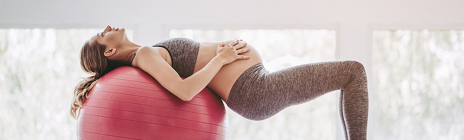 Yoga en los primeros días de embarazo | Más Abrazos by Huggies