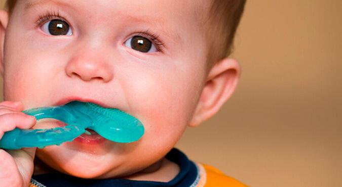 Mordillos y los primeros dientes de tu bebé | Más Abrazos by Huggies