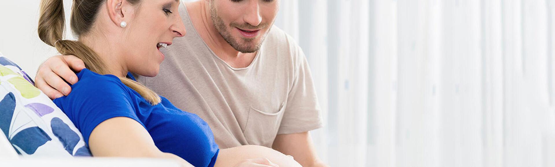 Síntomas horas antes del parto   Más Abrazos by Huggies